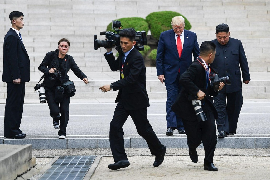 Trump gap Kim o DMZ anh 3