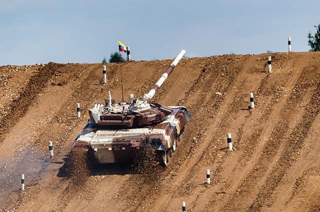 T-72B3, 'ngua chien' dung manh cua doi tang Viet Nam tai Tank Biathlon hinh anh 8
