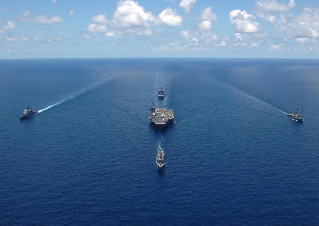 Tên lửa Trung Quốc rất khó nhắm trúng tàu sân bay Mỹ trên biển