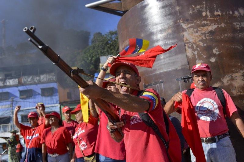 Venezuela tap tran quan su, trien khai be phong ten lua tren duong hinh anh 1 z_vene_1.jpeg