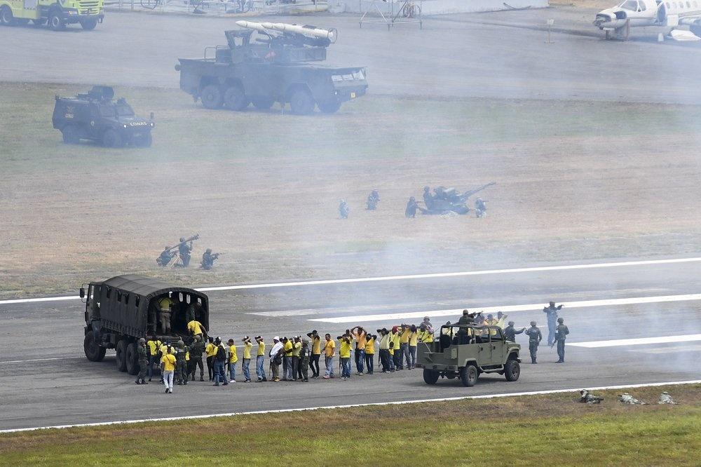 Venezuela tap tran quan su, trien khai be phong ten lua tren duong hinh anh 9 z_vene_10.jpeg