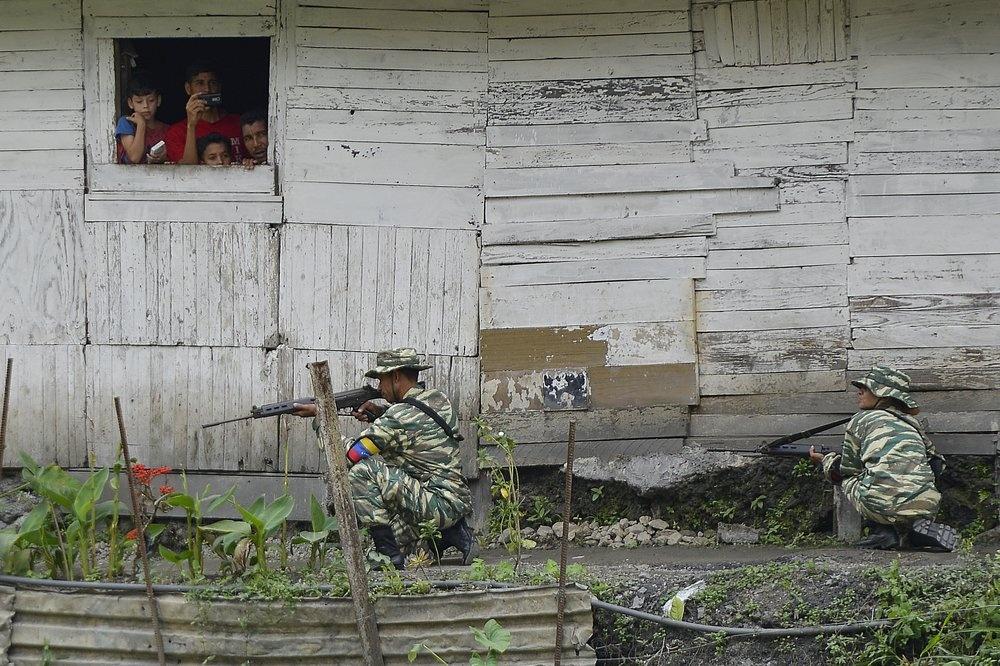 Venezuela tap tran quan su, trien khai be phong ten lua tren duong hinh anh 5 z_vene_5.jpeg