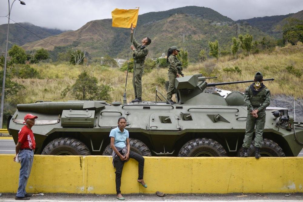 Venezuela tap tran quan su, trien khai be phong ten lua tren duong hinh anh 6 z_vene_6.jpeg