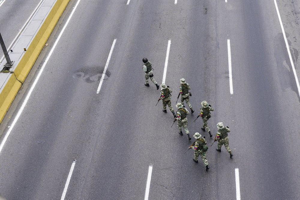 Venezuela tap tran quan su, trien khai be phong ten lua tren duong hinh anh 8 z_vene_8.jpeg