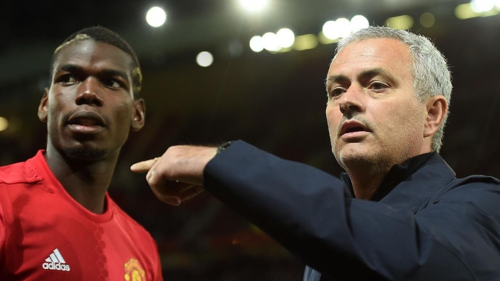 Man United mat trang trong canh bac Paul Pogba hinh anh 2