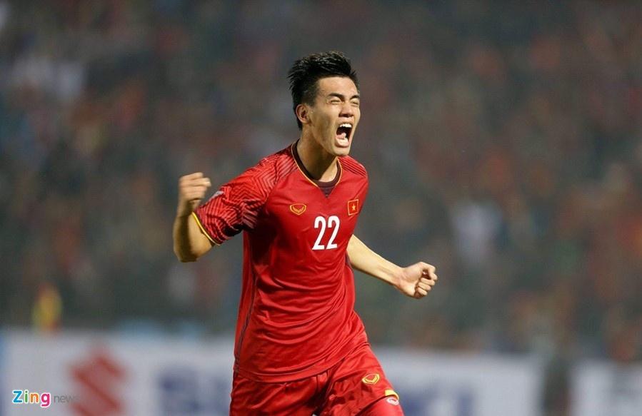 Fox Sports: 'Viet Nam la ung vien hang dau cho chuc vo dich AFF Cup' hinh anh 5