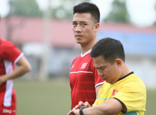 Nguyen Huy Hung - tien ve vuot qua su hoai nghi de toa sang o AFF Cup hinh anh 6