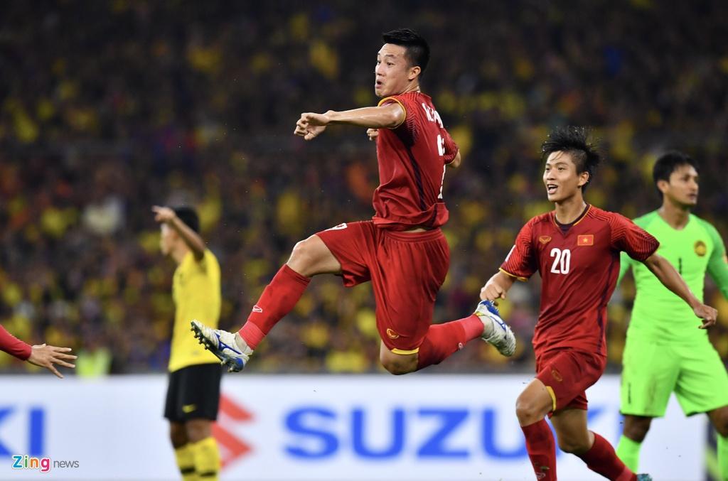 Nguyen Huy Hung - tien ve vuot qua su hoai nghi de toa sang o AFF Cup hinh anh 2