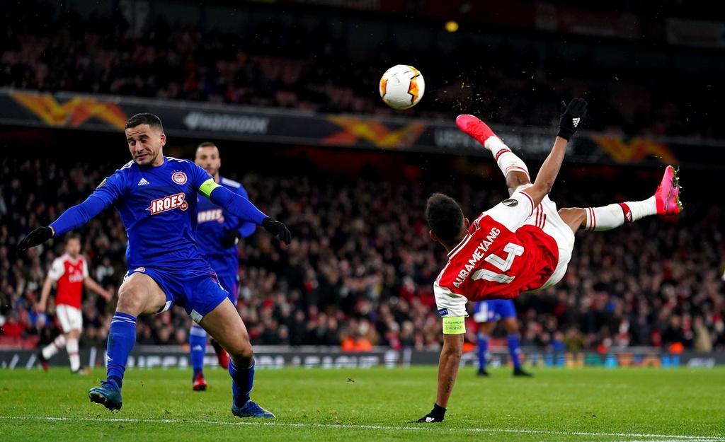 Aubameyang roi Arsenal anh 3