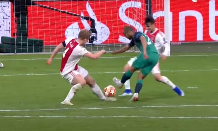 Ajax anh 1