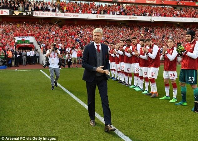 Arsene Wenger chinh thuc chia tay san Emirates anh 3