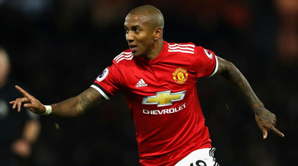 Ashley Young du World Cup 2018: Cau chuyen co tich co that hinh anh 2