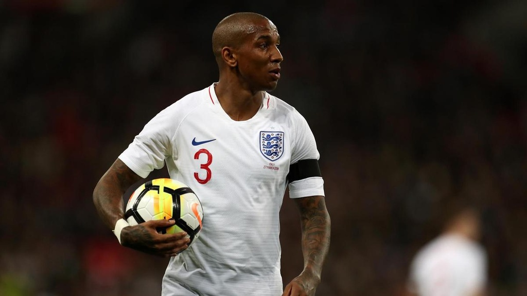 Ashley Young du World Cup 2018: Cau chuyen co tich co that hinh anh 1