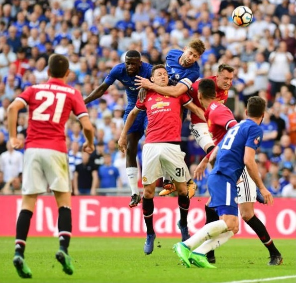 Cau thu MU 'chet lang',  nhin Chelsea nang cup FA anh 3
