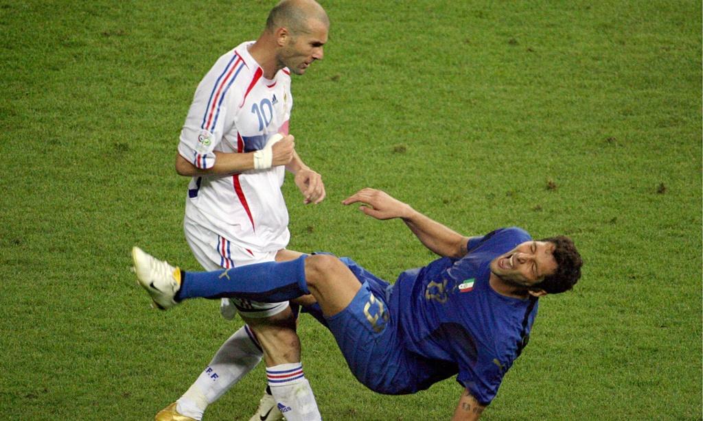 Modric chung phan voi Ronaldo 'beo', Messi va Zidane hinh anh 7