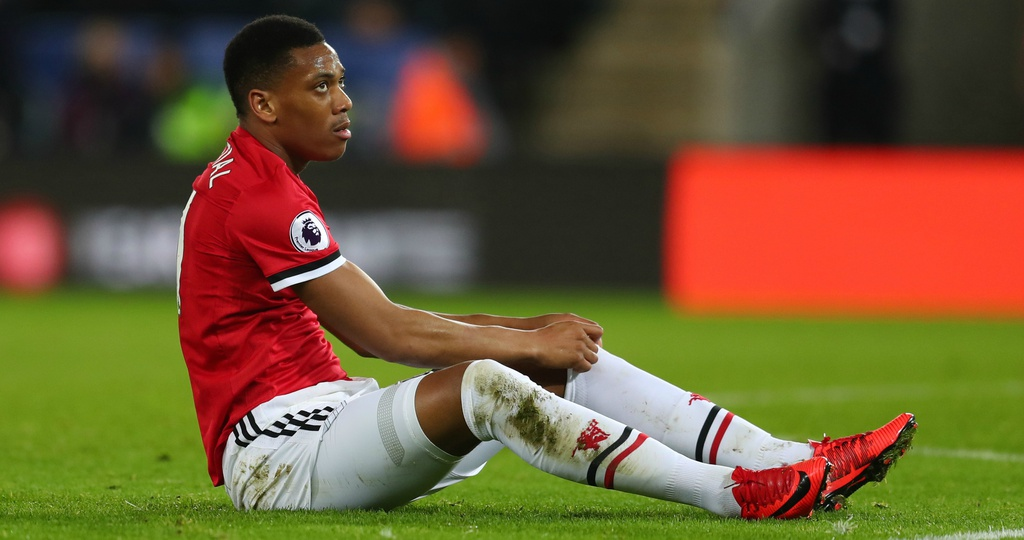 Manchester United can tong khu Martial ngay lap tuc anh 2
