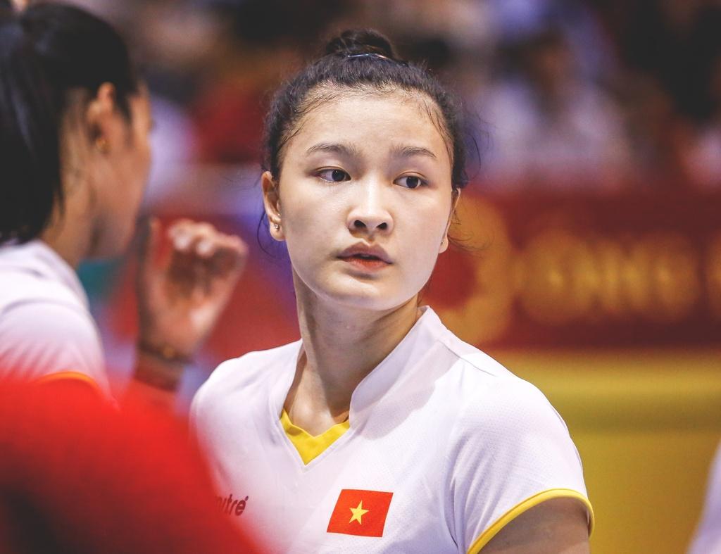 Nhung chan dai xinh dep khoe sac o VTV Cup 2018 hinh anh 2