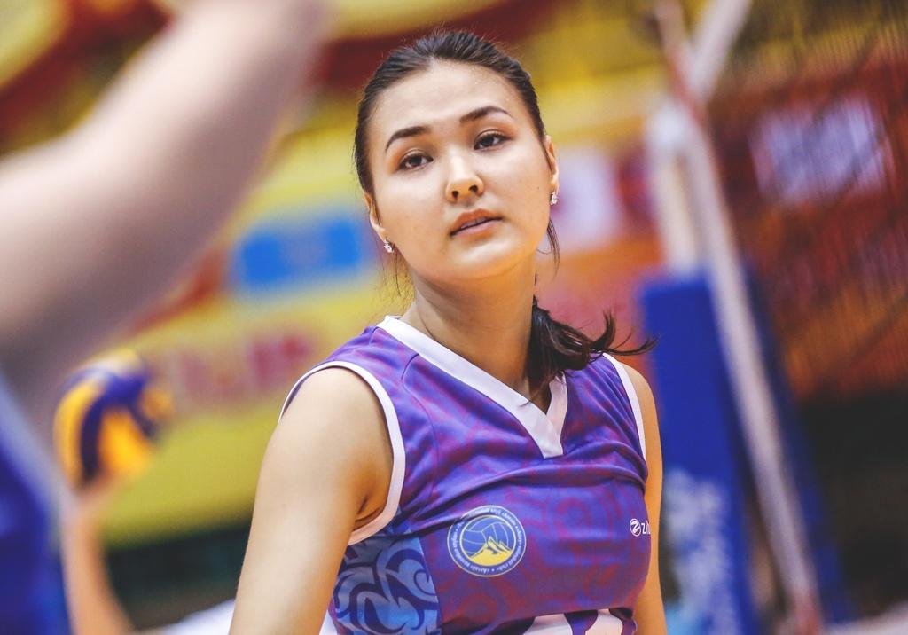Nhung chan dai xinh dep khoe sac o VTV Cup 2018 hinh anh 5
