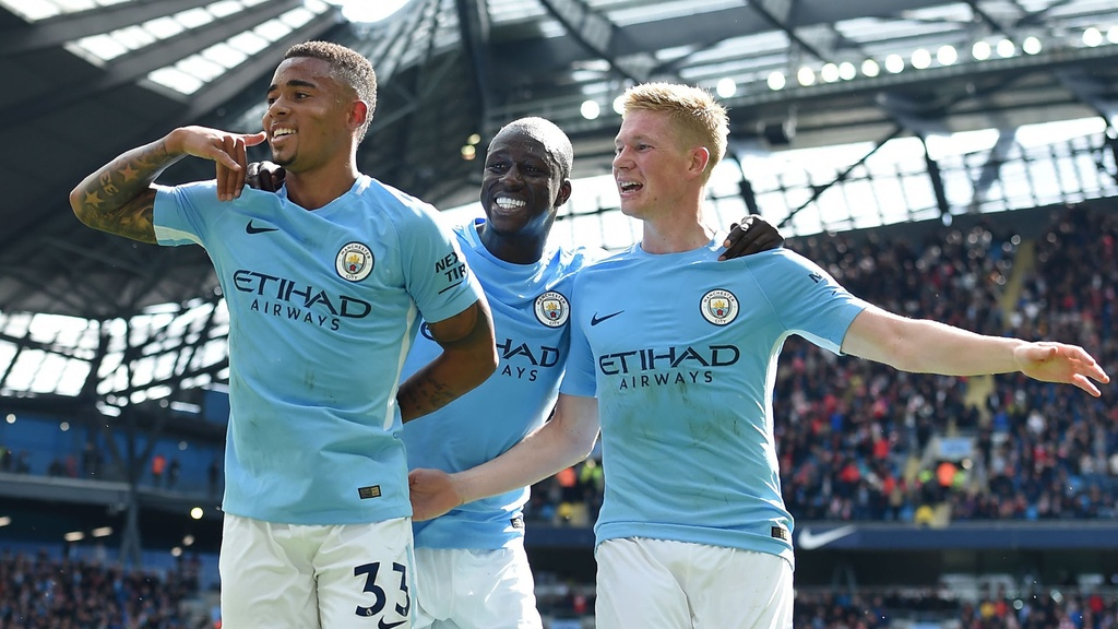 BLV Quang Huy: Man City, Liverpool se tranh cup Premier League mua nay hinh anh 1