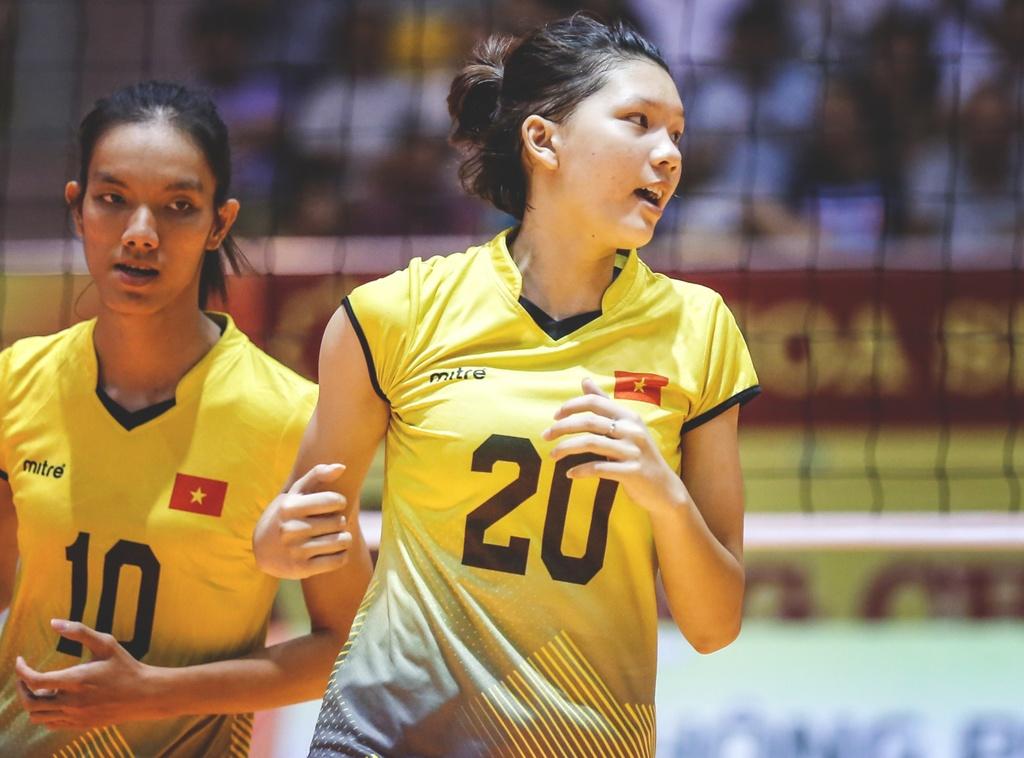 Nhung chan dai xinh dep khoe sac o VTV Cup 2018 hinh anh 8
