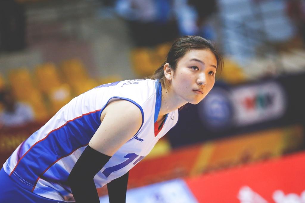 Nhung chan dai xinh dep khoe sac o VTV Cup 2018 hinh anh 9