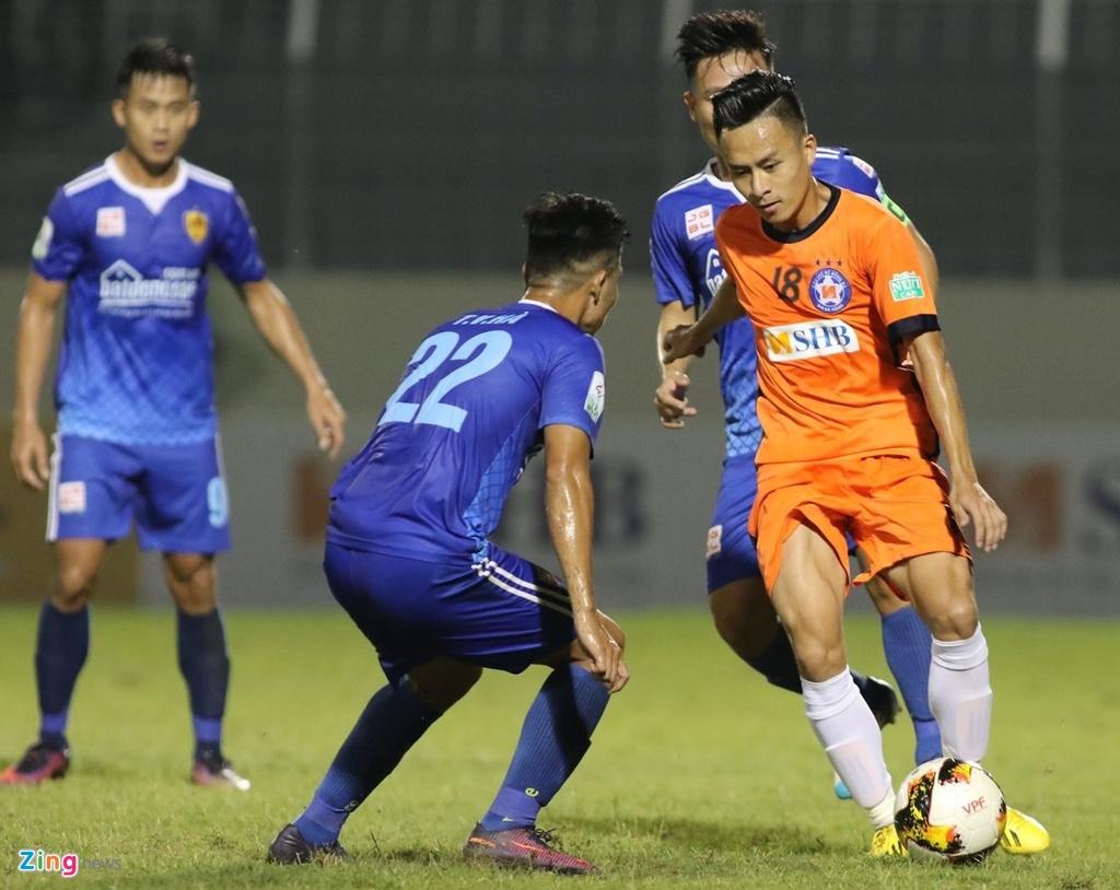 Vo Huy Toan: 'Toi xui qua, chi cho phep mau de du AFF Cup 2018' hinh anh 1