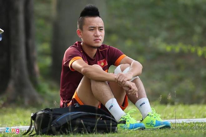Vo Huy Toan: 'Toi xui qua, chi cho phep mau de du AFF Cup 2018' hinh anh 2