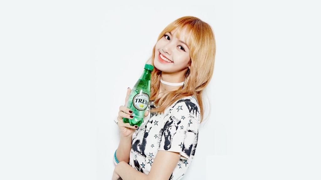 Lisa (BlackPink) - 'cong chua Thai Lan' ruc sang giua troi Kpop hinh anh 1