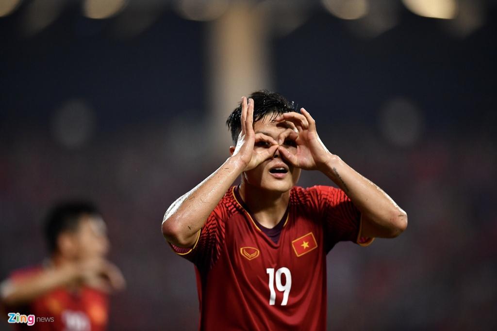Nghich ly cua tuyen Viet Nam o Asian Cup: Tre nhat,  nhung ban linh dang ne anh 3