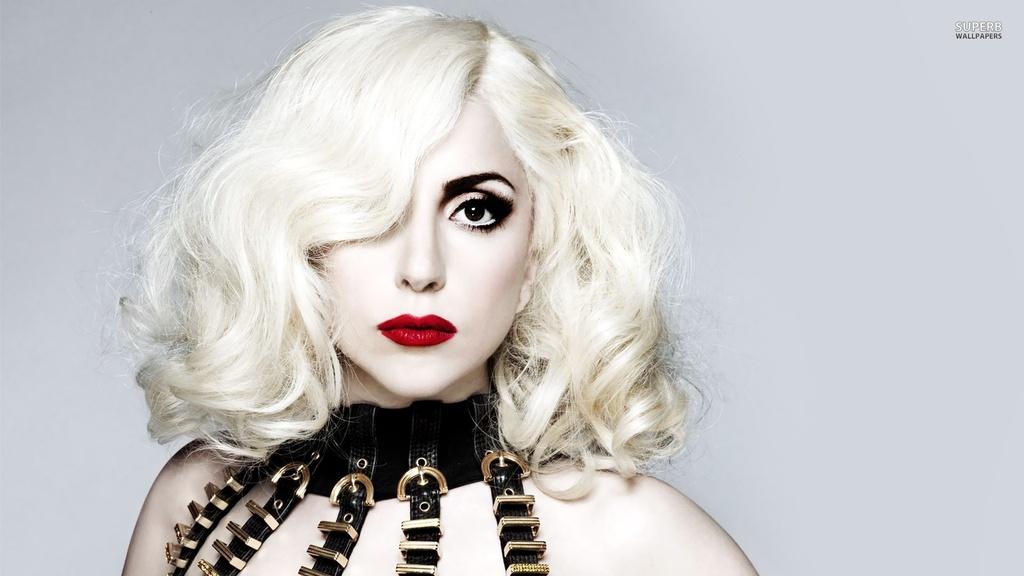 Lady Gaga gap rac roi vi nghi van tan cong tinh duc cua R. Kelly hinh anh 2