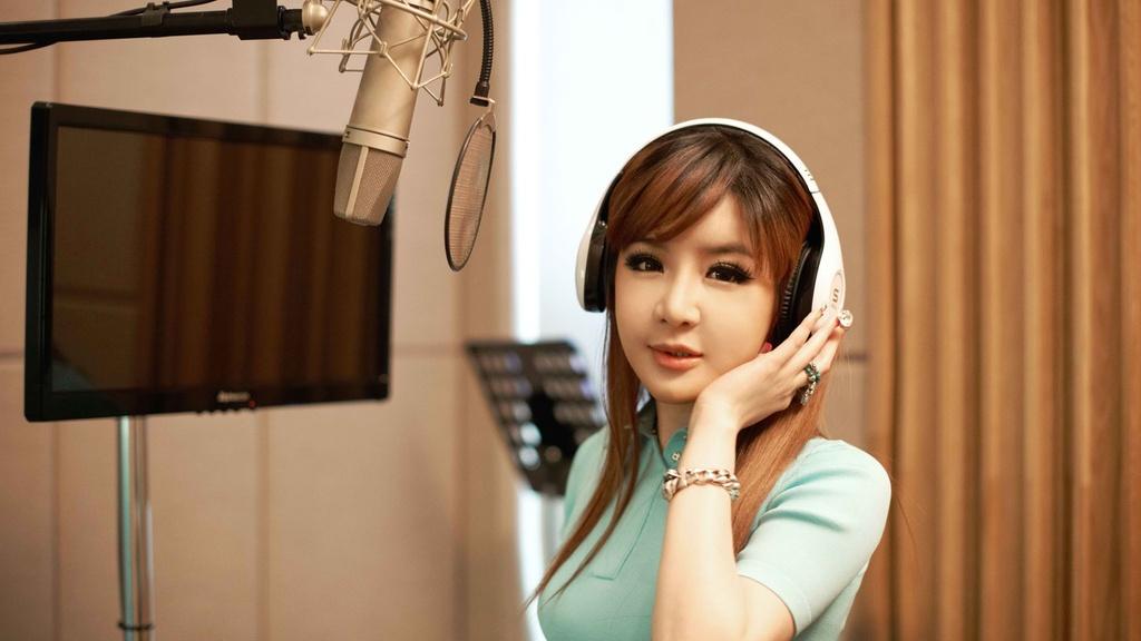 Park Bom (2NE1) tro lai Kpop: Su troi day hay tan cung cua vuc sau? hinh anh 3