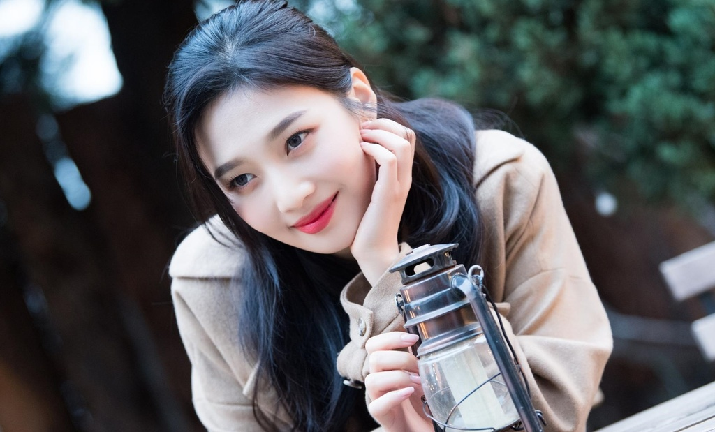 10 idol Kpop xuat than tu ngoi truong dinh be boi tan cong tinh duc anh 8