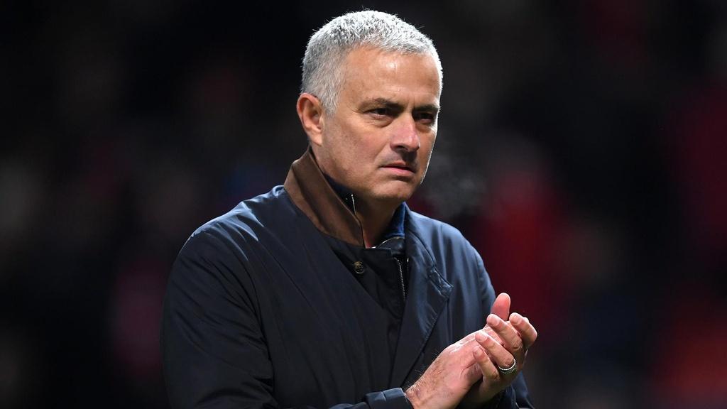 Mourinho va nhung ung vien dan dat Cristiano Ronaldo o mua toi anh 5