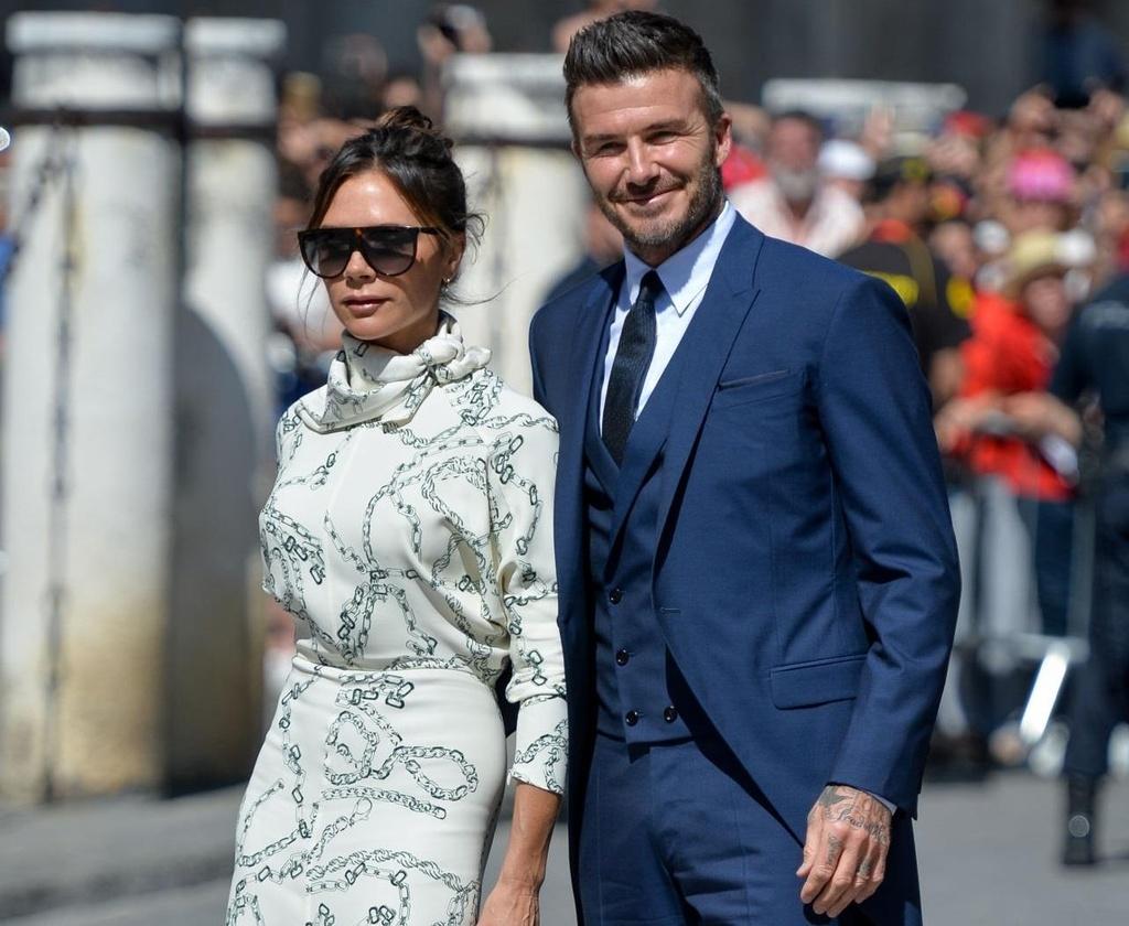 Vo chong Beckham, Roberto Carlos du dam cuoi cua Ramos hinh anh 3
