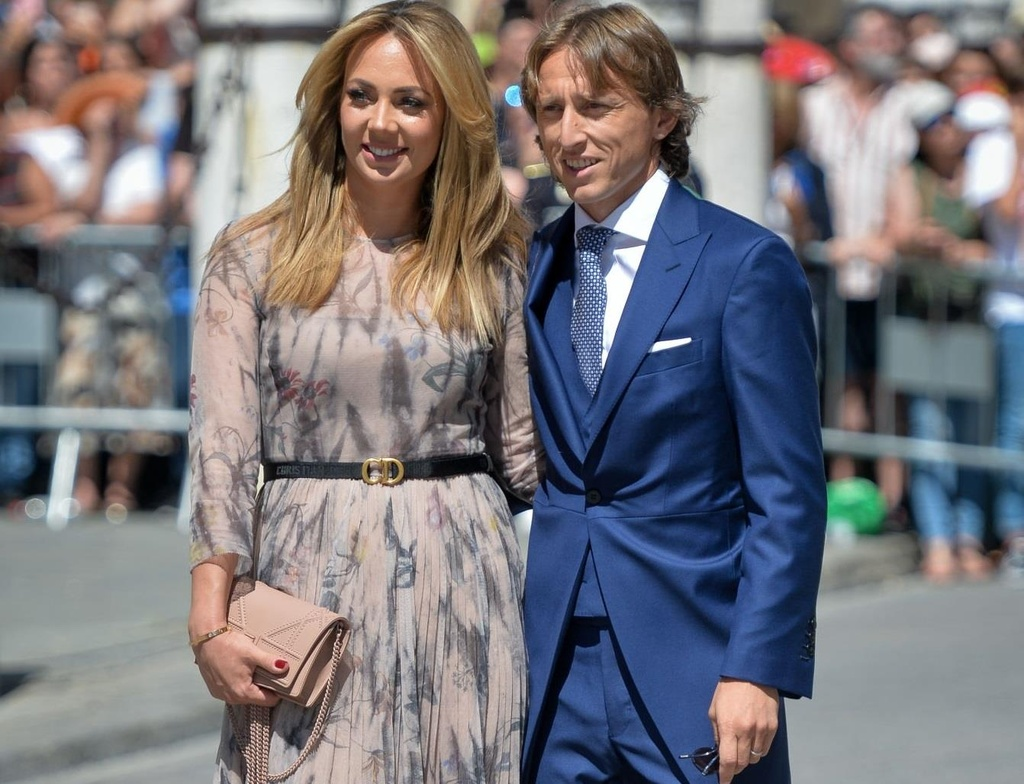 Vo chong Beckham, Roberto Carlos du dam cuoi cua Ramos hinh anh 5
