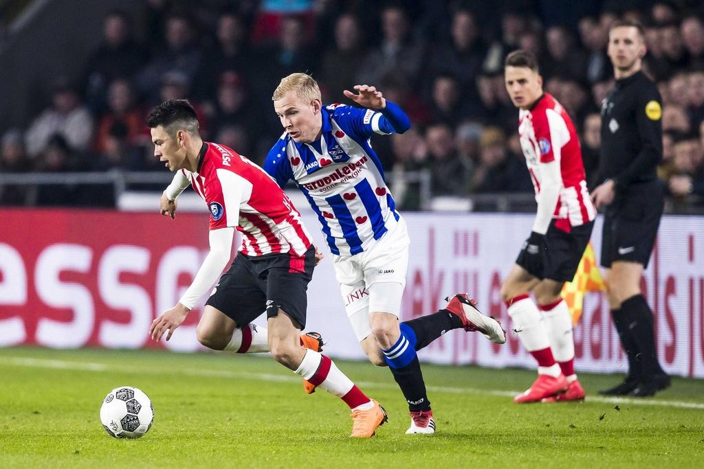 'Van Hau phai bat dau tu ghe du bi cua SC Heerenveen' hinh anh 2
