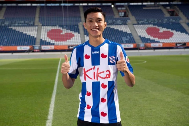 'Văn Hậu phải bắt đầu từ ghế dự bị của SC Heerenveen'