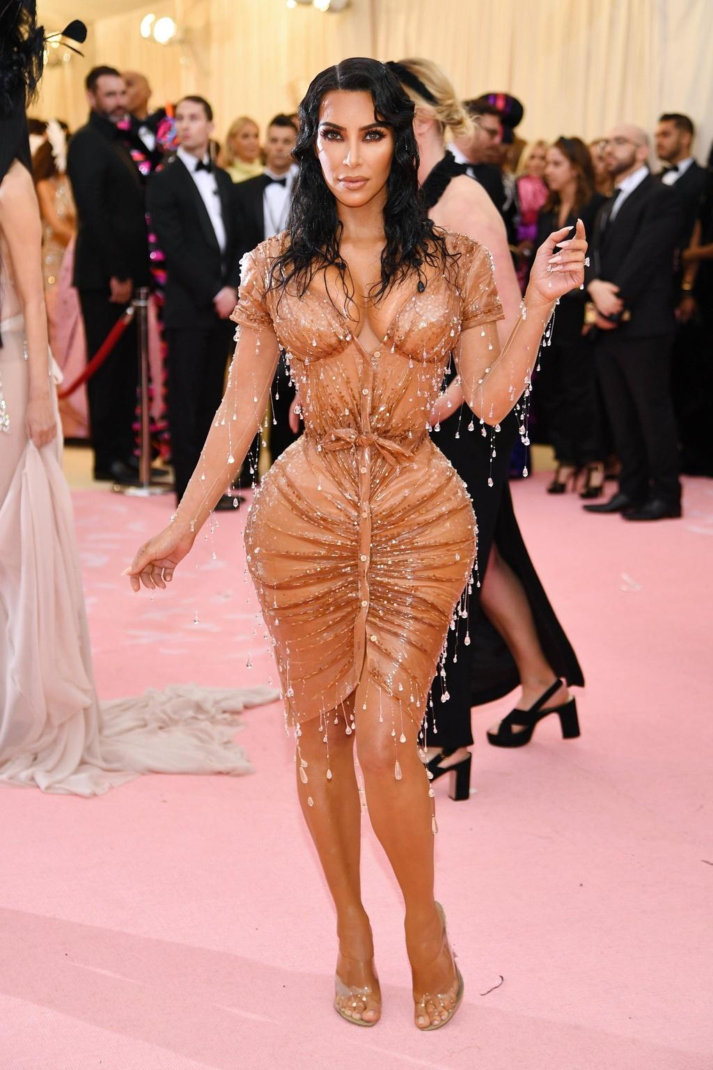 Kim Kardashian o ep vong mot va loat khoanh khac an tuong nhat 2019 hinh anh 7 kardashian_jenner_metgala_5_6_19_13.jpg