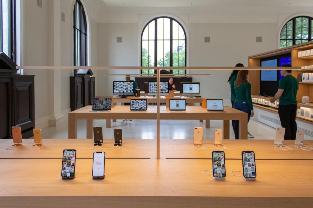 Apple Store doc dao nhat the gioi ben trong thu vien co 116 tuoi hinh anh 5