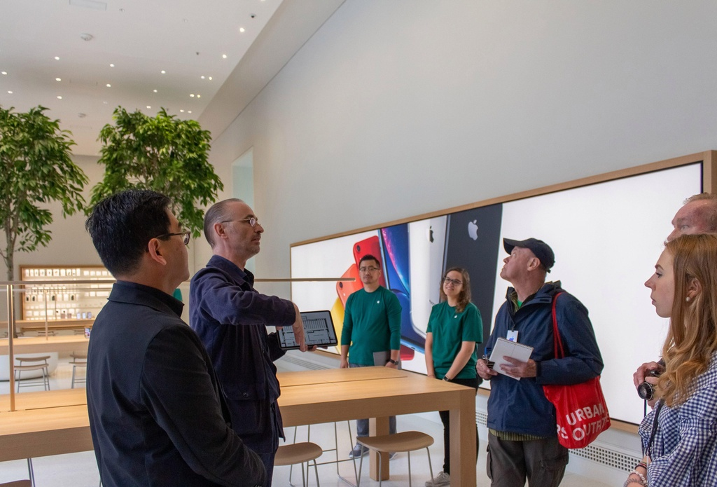 Apple Store doc dao nhat the gioi ben trong thu vien co 116 tuoi hinh anh 6