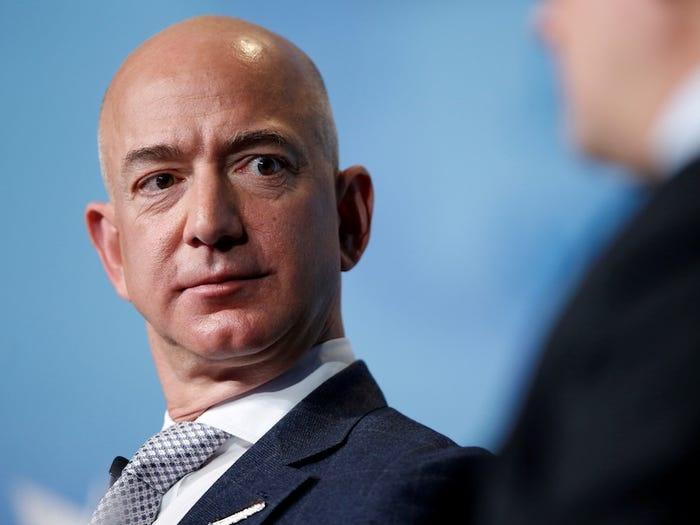 thong tin ve Jeff Bezos anh 14