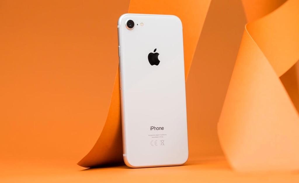 'So iPhone SE voi dien thoai Android gia re that qua tan nhan' hinh anh 2 iPhone_8.jpg