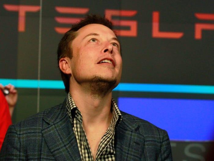 Elon Musk kiem tien anh 6