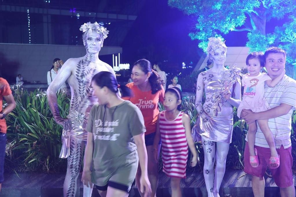 Carnival duong pho 'DIFF 2019' khuay dong khong gian pho dem Da Nang hinh anh 3