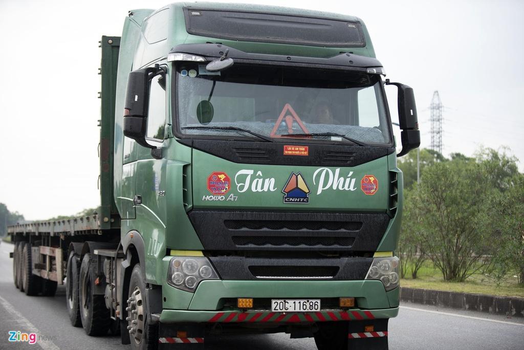 Xe container dam Innova di lui cao toc anh 8