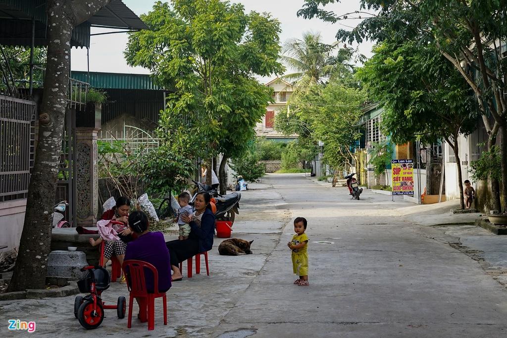 Biet thu, xe sang o xa co 1.500 nguoi xuat khau lao dong hinh anh 11
