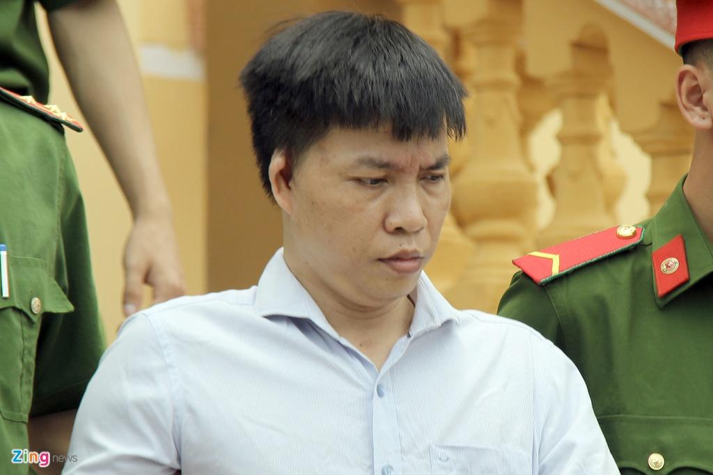 Phu huynh vu be boi thi THPT: 'Con toi bi ai do tu nang diem' hinh anh 1 tuan_zing.JPG