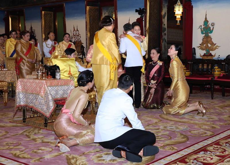 Le dang co he lo moi quan he trong hoang toc Thai Lan hinh anh 3