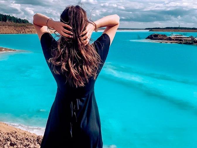 'Hot girl' Instagram khoe dang ben ho nuoc doc 'Maldives cua Nga' hinh anh 3