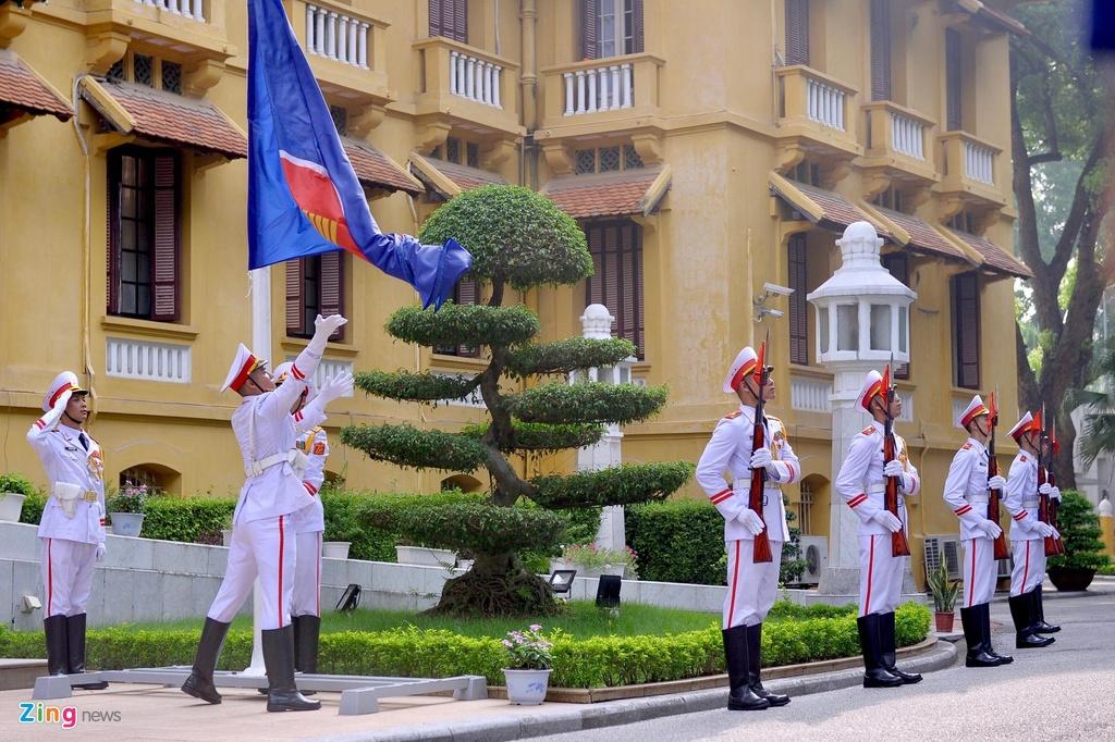 Le thuong co ASEAN nhan dip 52 nam thanh lap hiep hoi hinh anh 1